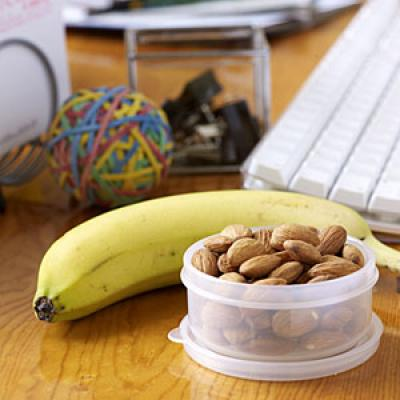 Ideas for Snacks for a Work Meeting (with Pictures)   eHow  Light Snacks For Work